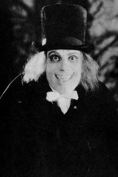"Lon Chaney as ""The Man in the Beaver Hat"" in London After Midnight Classic Monster Movies, Classic Monsters, Scary Movies, Old Movies, Silent Film, Silent Horror, London After Midnight, Horror Photos, Lon Chaney"