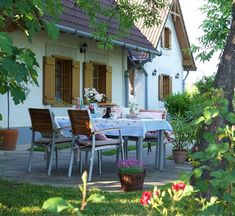 Merlin Home, Outdoor Balcony, Outdoor Decor, Weekend House, Cottage Homes, Sweet Home, Farmhouse, House Design, Patio