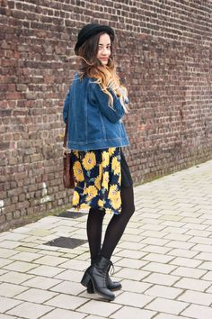 90s grunge look with sunflowers and denim x