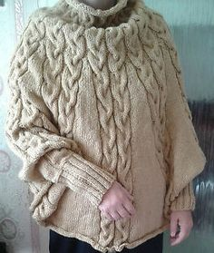 LADIES HAND KNITTED PONCHO WITH Poncho con Mangas