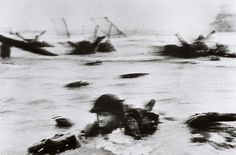 Robert Capa - D-Day  1944 - Omaha Beach