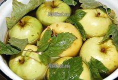 Как приготовить моченые яблоки от Татьяны Латышевой<br><br>Учитывая, что в этом году большой урожай яблок и многие задаются вопросом, что из них сделать, я решила поделиться одним из рецептов приготовления моченых яблок, которые зимой украсят ваш десертный стол и добавят дополнительных витаминчик..