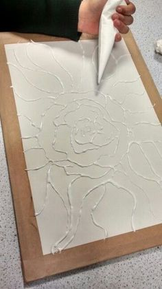 this glue art work gives a really nice effect making certain parts of the work l. - Basteln - this glue art work gives a really nice effect making certain parts of the work look - Diy And Crafts, Arts And Crafts, Paper Crafts, Art Projects, Projects To Try, Glue Gun Crafts, Plaster Art, Art Diy, Diy Canvas