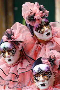 Sadness - Carnival - Venice, Itlay via Kathy Whitley Venetian Carnival Masks, Mardi Gras Carnival, Carnival Of Venice, Venetian Masquerade, Masquerade Ball, Venice Carnivale, Clowns, Costume Ethnique, Costume Venitien