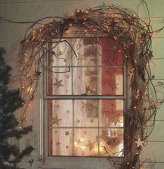Simple and beautiful minus the star garland.