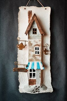 1 million+ Stunning Free Images to Use Anywhere Pottery Houses, Ceramic Houses, Pottery Art, Clay Houses, Miniature Houses, Driftwood Wall Art, Driftwood Crafts, Barn Wood Crafts, Wooden Crafts