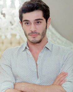 Burak Deniz ❤️ Most Handsome Actors, Handsome Boys, Murat And Hayat Pics, Cute Love Couple, Lovely Eyes, Actrices Hollywood, Turkish Beauty, Hollywood Actor, Turkish Actors