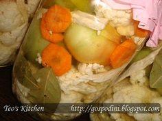 Conopidă şi gogonele murate | Retete usoare & retete ilustrate Romanian Food, Preserves, Pickles, Potato Salad, Food And Drink, Cheese, Chicken, Meat, Ethnic Recipes