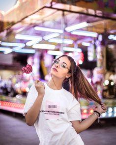 Girl Photography Poses, T Shirts For Women, Instagram, Photos, Fashion, Photos Tumblr, Princess, Moda, Pictures