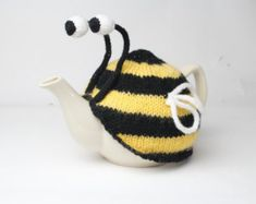 ButterflyBumble Bee Tea Cosy Hand Knitted floral by DollysKnits