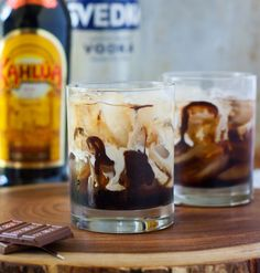 How to make a white russian with the special treat of chocolate added. My favorite dessert cocktail of all time. Alcohol Drink Recipes, Vodka Drinks, Fun Cocktails, Summer Drinks, Fun Drinks, Alcoholic Drinks, Mixed Drinks, Beverages, Irish Cocktails