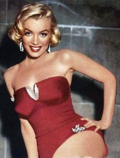 Marilyn Monroe - 1953 - Publicity photo for 'How to Marry a Millionaire'...