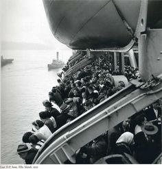 The last boat accepted at Ellis Island - 1950 - photo /Ernst Haas