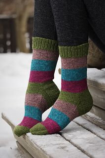 Warm Socks, Cool Socks, Knitting Socks, Knit Socks, Knitting Ideas, Quick Knits, Striped Socks, Boot Cuffs, Diy Clothing
