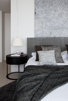 The black and white bedspread and monochromatic color scheme. (Link doesn't work).