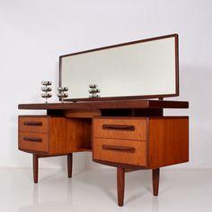 TEAK 60s kofod larsen dressing table/desk