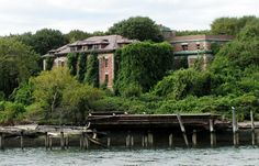 The remaining structure of Riverside Hospital built on North Brother Island ca. 1850 [1141 x 731]