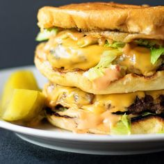 An easy recipe for a homemade version of the Big Mac.