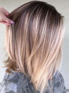 39 Beautiful Balayage Lob Hair Looks for We have rounded up here the most beautiful ideas of hair colors for long bob hairstyles to use in If you have lob styles and you are searching for best hair colors and highlights to make them sexy and c Balayage Lob, Balayage Straight, Hair Color Balayage, Balayage Long Bob, Bronde Bob, Long Lob, Sombre Hair, Highlights For Straight Hair, Caramel Balayage Bob