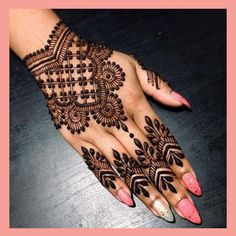Mehndi henna designs are searchable by Pakistani women and girls. Women, girls and also kids apply henna on their hands, feet and also on neck to look more gorgeous and traditional. Pretty Henna Designs, Modern Mehndi Designs, Mehndi Designs For Beginners, Mehndi Designs For Fingers, Beautiful Mehndi Design, Latest Mehndi Designs, Henna Tattoo Designs, Mehandi Designs, Pakistani Henna Designs