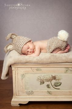 Ravelry: Newborn Bunny Diaper Cover And Hat Photo Prop Set Crochet Pattern pattern by Buttercup Baby