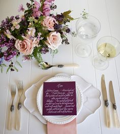 Caligrafía para Mesas / Calligraphy for tables Peach and Plum Wedding Inspiration Purple Wedding, Trendy Wedding, Elegant Wedding, Wedding Colors, Fall Wedding, Wedding Reception, Dream Wedding, Wedding Menu, Plum Wedding Flowers