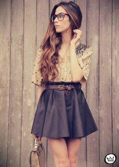 #chic #geek #skirt #black #carbon #white #curls #glasses