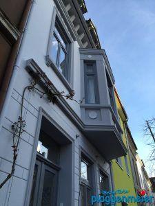 Wenn wir einen Aussenanstrich machen, dann richtig: Sanierung, Fensterarbeiten und Farbkonzept vom Maler aus Bremen