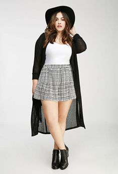 124f4e78af5 50 Stylish Plus Size Fashion Outfits Ideas For Women That You Can Try.  Looks Plus SizeSweater LayeringLayering ...