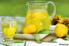 Σπιτική λεμονάδα: η αυθεντική συνταγή της γιαγιάς