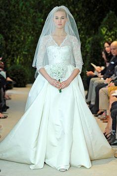 Carolina Herrera  Dress: Annemarie    #youandyourwedding