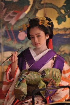 A courtesan. Very high rank. The obi is tied in front, easier to dress. Yumi Adachi/安達祐実 oiran/花魁 映画『花宵道中』