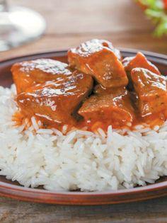 Μοσχαράκι κοκκινιστό #μοσχαράκι #κοκκινιστό Greek Recipes, Curry, Food And Drink, Beef, Chicken, Dinner, Cooking, Ethnic Recipes, Drinks