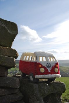 Ravelry: Crochet your own Campervan Model based on the VW Splitscreen by Tracy Harrison (SnuginaDub)