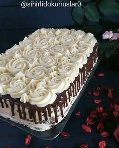 Banana and pecan cake - HQ Recipes Cake Decorating Techniques, Cake Decorating Tips, Drip Cakes, Fancy Cakes, Mini Cakes, Chocolate Meringue Cake Recipe, Cake Chocolate, Chocolate Cake Designs, Birthday Cakes