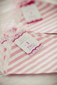 party favors at a pretty in pink birthday party #partyfavors #pink #party #pretty