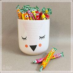 ♡ Lesinutiles.fr ♡ Psst…Que diriez vous de quelques bonbons glissés dans vos prochaines commandes ?! pot à bonbon - cache-pot - bloomingville - renard - fox - carambar - Les inutiles - photo ©Lesinutiles