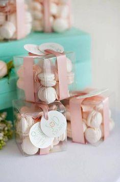 Chocolate Wedding Favors, Gold Wedding Favors, Wedding Gifts For Guests, Diy Wedding, Wedding Invitations, Macaron Wedding, Wedding Ideas, Wedding Mandap, Wedding Stage