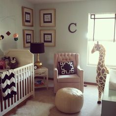 neutral nursery decor - I like the mint walls with the black and ivory
