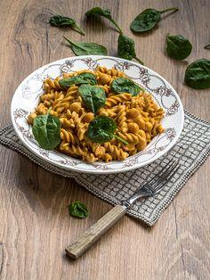 Sinappinen kikhernepasta Vegetarian Recipes, Ethnic Recipes, Food, Vegetarische Rezepte, Eten, Meals, Veggie Recipes, Vegan Recipes, Diet