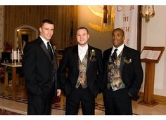 Mossy Oak Camo vests and turkey feather boutonnieres - who says camo can't be classy?  #countrywedding #camogroom