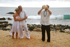 Kauai beach weddings allow you the chance to get married without all the fanfare.