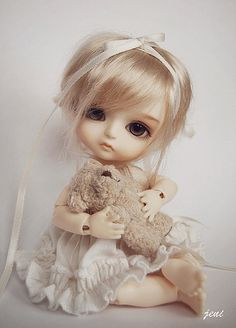 Jeni Bunny Lati Yellow doll Benny