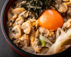 The name Fukagawa (深川) comes from a town in Koto-Ku, a ward in eastern Tokyo. And meshi (めし) means cooked rice as well as a meal. It can also mean food in addition to rice. In literal translation, Fukagawa-meshi is rice cooked with clams. The caught clams are put in miso soup or boiled in soy sauce and paired with rice.