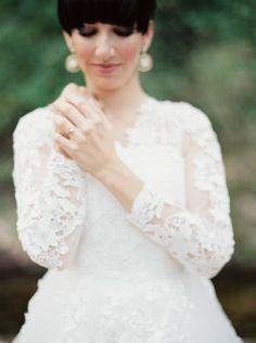 Bridal photography: http://www.stylemepretty.com/little-black-book-blog/2015/01/06/vintage-gold-blush-wedding-inspiration/ | Photography: Elizabeth Ngundue - http://elizabethngunduephotography.com/