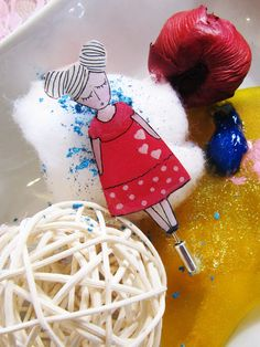 Missa in fuchsia dress - pin Fuchsia Dress, Etsy Seller, Bubbles, Hand Painted, Create, Handmade, Beauty, Hand Made, Beauty Illustration