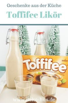 DIY Geschenke: Toffifee Likör – Deko-Hus Gifts from the kitchen: recipe for Toffifee liqueur Signature Cocktail, Healthy Eating Tips, Healthy Nutrition, Drinks Alcohol Recipes, Alcoholic Drinks, Drink Recipes, Diy Gifts For Christmas, Liqueur, Pumpkin Spice Cupcakes