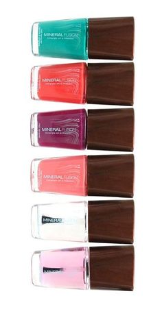 Mineral Fusion nail polish is 100% vegan, high performance nail color that is chip-resistant and long-wearing. Application is easy and flawless with a custom, extra-thick brush and unique easy-grip cap.