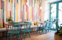 New Design Cafe Restaurant Woods 19 Ideas Ambiance Restaurant, Decoration Restaurant, Design Bar Restaurant, Deco Restaurant, Colorful Restaurant, Restaurant Ideas, Coffee Shop Interior Design, Coffee Shop Design, Cafe Design
