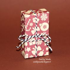 Cards by Maaike: Mini candy bar treat boxes mini kit kat, wit. Treat Bags, Gift Bags, Treat Holder, Boxes, Gift Wrapping, Treats, Candy, Kit, How To Make